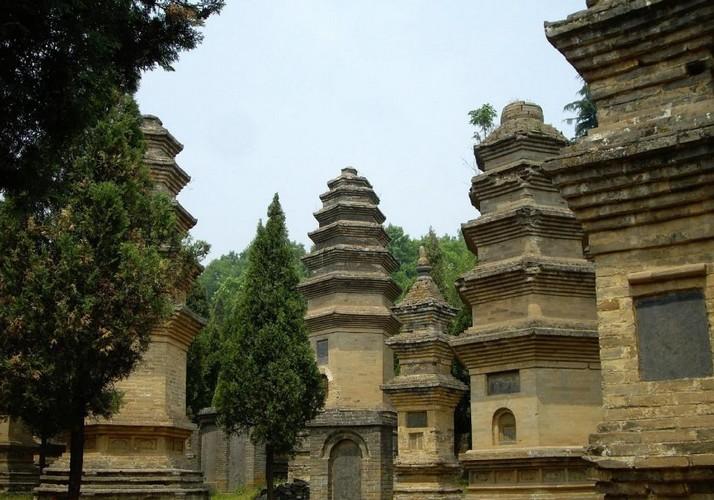 3 Days Luoyang City & Shaolin Temple Tour ,Luoyang, China