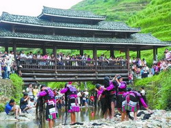 Long hair Show in Longsheng,Houses and people of Yao and Zhuang Ethnic Tribes,Longsheng Tour,Guilin