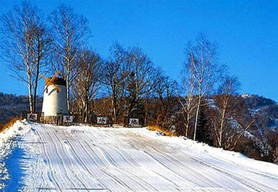 China Tours, Changchun Travel Guide, Jingyuetan Ski Field of Changchun