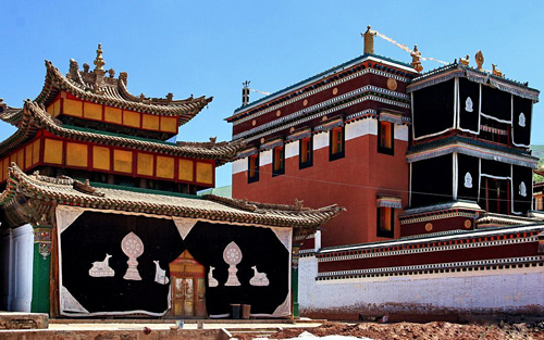 Wutun Temple,Qinghai Attractions,Tinghai Tours,China Tours