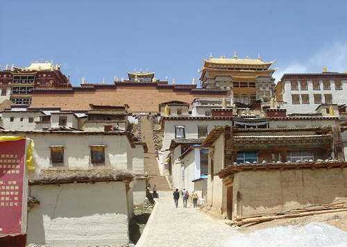 Songzanlin Monastery is a typical Lama monastery.