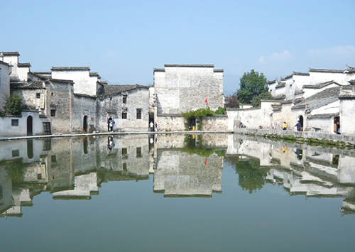 Hongcun and Xidi are two very famous ancient villages near the Yellow Mountain.