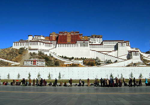The Potala Palace is the landmark of Lhasa City as well as the symbol of Tibetan Autonomous Region.