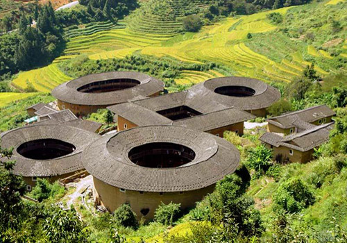 Tianluokeng Tulou was Built for Tilt-shaped Mountain in Excellent Fengshui.