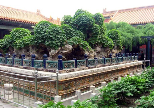 A corner of the Imperial Garden. Rockery is a common element of traditional Chinese gardening.