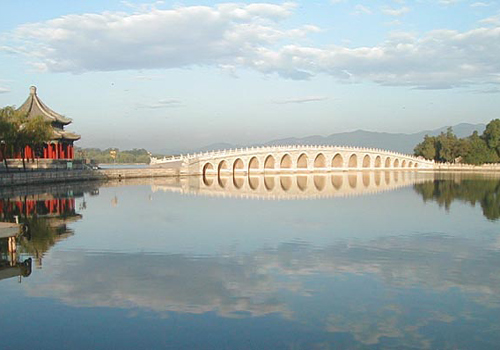 Seventeen-Arch Bridge is a major attraction of the Kunming Lake.