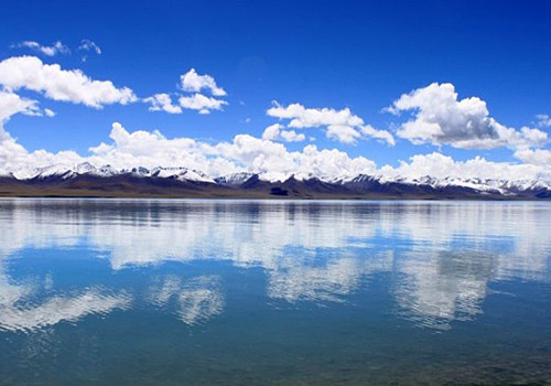 The Namtso Lake is a peaceful lake near Lhasa,people said that he who do not visit the lake, never have visited the real Tibet.