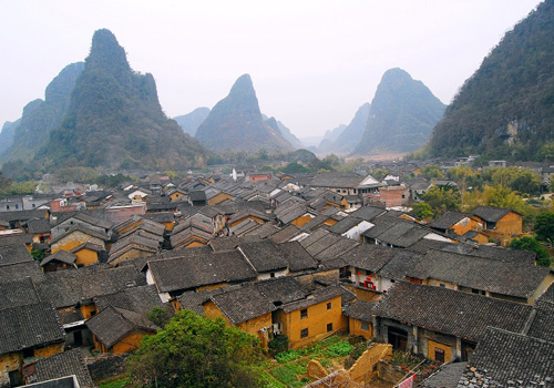 Hezhou is a tourist city with deep historical and cultural background.