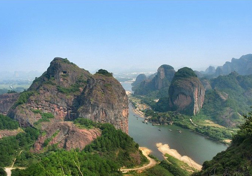 Yingtan City is a famed tourist city for natural beauties and profound culture.
