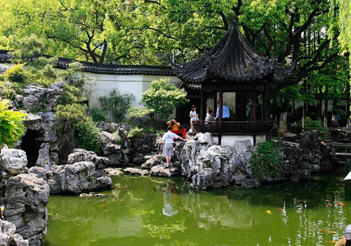 Yuyuan Garden of Shanghai is a classical private garden.