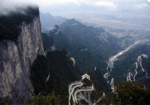 Twisting mountain road takes you up from Zhangjiajie city to the Tianmen Mountain Scenic Areas.
