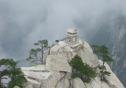 The amamzing snow view of Huashan Mountain in Huayin of Shaanxi Province.