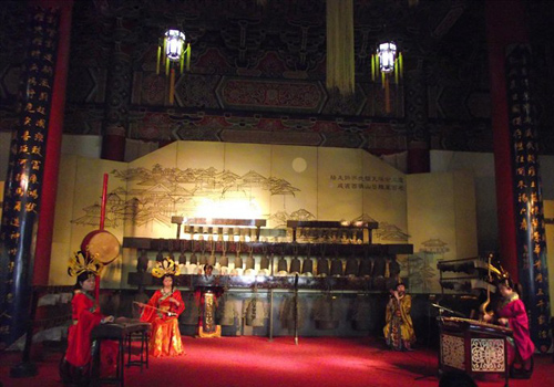 The performance of Bianzhong and Guzheng in the Bell Tower, Xi'an.