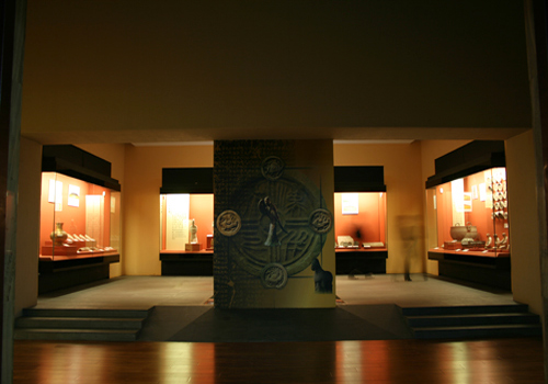 The inside of Exhibition Hall No.2 of Shaanxi History Museum in Xi'an City.