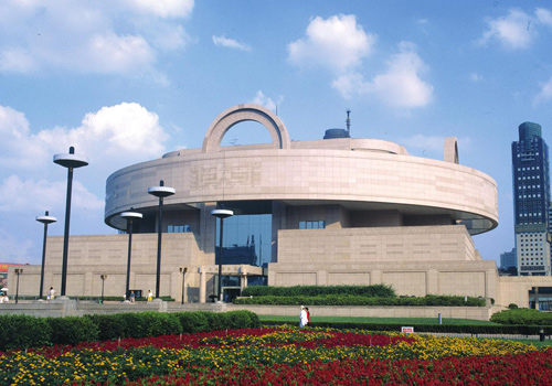 Shanghai Museum is a famous comprehensive museum of Chinese arts.