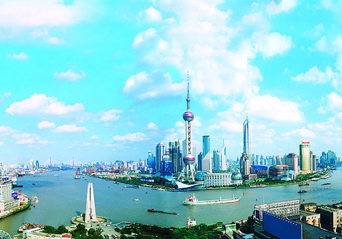 Huangpu River is the symbol as well as the mother river of Shanghai.