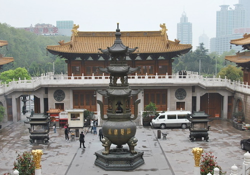 The existing architecture of the temple was mainly built during Qing Dynasty.
