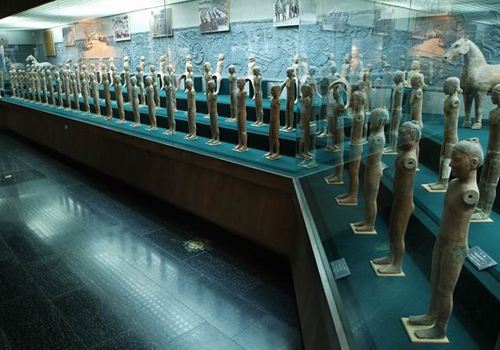 A large number of pottery figurines were unearthed from the Hanyangling Mausoleun,Shaanxi Province.