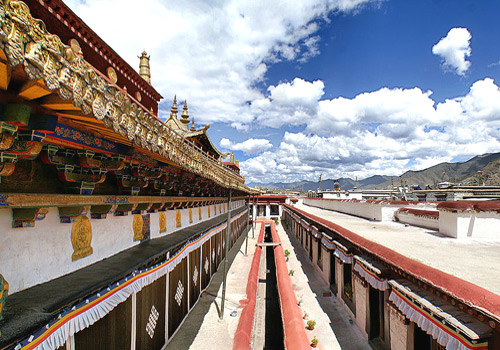 Breathtaking scenery on the terrace of Jokhang Temple in Lhasa,Tibet,China.