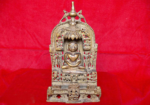 Most of the Buddhist statues were carved from gold and silver in Guge Kingdom.