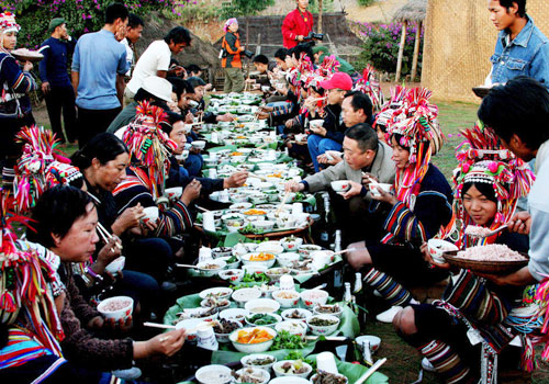 Unique long street banquet of ethnic groups,Guilin