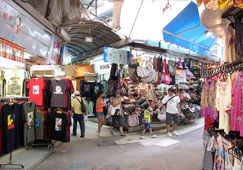 Stanley Market is a popular market town as well as a tourist attraction in Hong Kong.