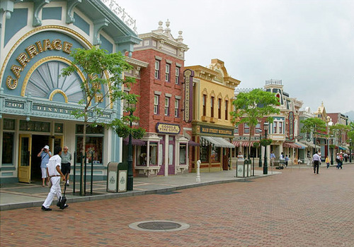 Main Street,U.S.A is an imitated small town of America from the years 1890-1910.