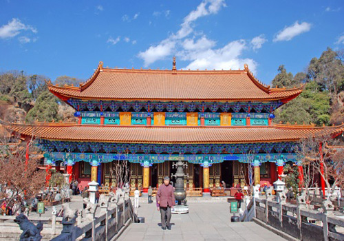 The appearance of Yuantong Hall of Yuantong Temple in Kunming looks very beautiful.