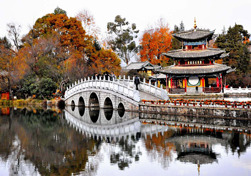 Breathtaking autumn scenery of the Black Dragon Lake in Lijaing Ancient Town,
