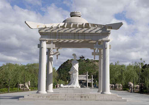 The white-mable statue of WangZhaojun in front of the Zhaojun Tomb in Hohhot,Inner Mongolia.