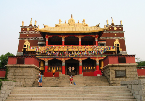 A Tibetan-style structure in Splendid China,Shenzhen,Guangdong Province.