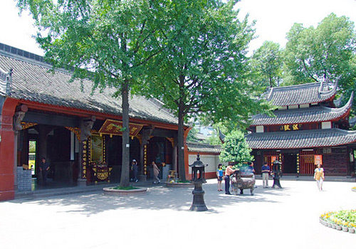 Wenshu Monastery is a famous Buddhist temple in the west of Sichuan Province.