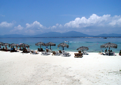 Wuzhizhou Island is a famous attraction of Sanya,Hainan Island.