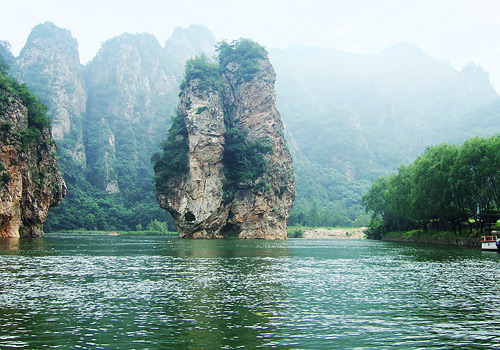 Couple Stone of Bingyu Valley Scenic Area,Dalian