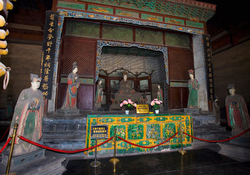 The inside of one of the halls of the Jinci Temple in Taiyuan.