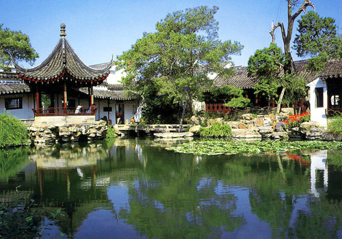 As one of the four famous gardens in Suzhou City, the Garden of Master-of-the-Net is the one with most artistic features and cultural values.