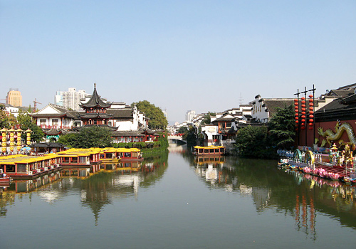 Qinhuai River is the cradle of the Nanjing civilizations which nurtured the earliest ancestor of the area as early as in the Stone Age.
