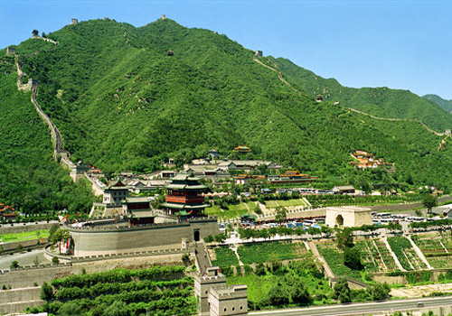 Juyongguan Great Wall is the most well-known section of the Great Wall with rugged topography and stunning scenery.