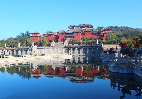Jiaozuo is in the heartland of the birthplace of Chinese nation and boasts an epitome of Chinese brilliant culture.