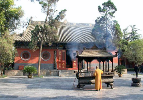 Heavenly King Hall (Tian Wang Hall) is the First Hall of White Horse Temple.
