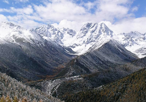 Baimang Snow Mountain is the highest mountain in Yunnan province