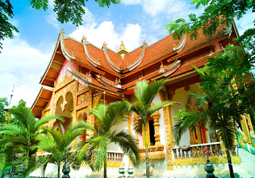 The head temple of Xishuangbanna is located in Manting Park.