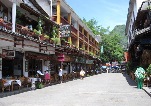 The West Street is well-know as Foreigners' Street in Yangshuo County, Guilin.