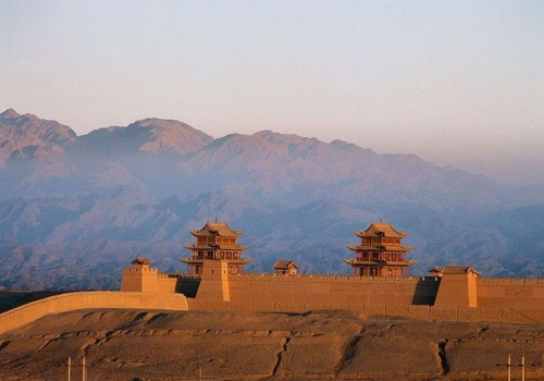 In the past, Jiayuguan used to be a vital communications hub and the west starting point of the Great Wall of Ming dynasty.