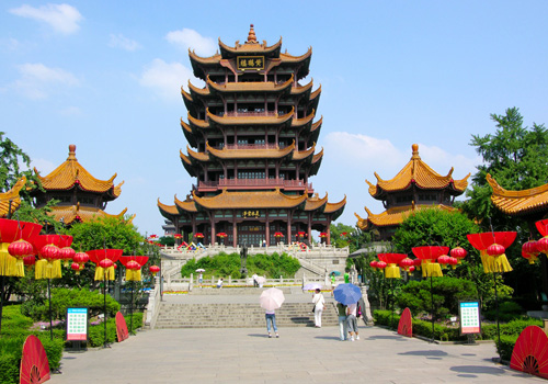 The Yellow Crane Tower is the emblem of Wuhan,in central China's Hunei Province.