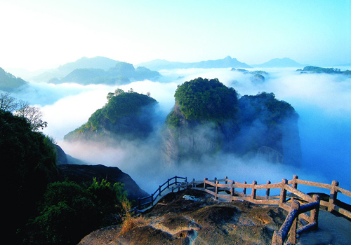 Mount Wuyi is located in the northwest of Fujian Province on the border with Jiangxi Province.