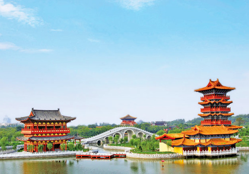 Millennium City Park is a large-scale historical cultural theme park in accordance  with the masterpiece Riverside Scenes at Qingming Festival.