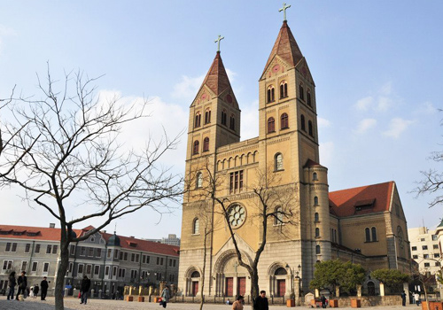 Catholic Church is a landmark of Qingdao as well as a required background of wedding dress photos in Qingdao.