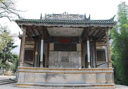 Constructed in the Ming Dynasty and renovated three times, Ancient Stage has a history of more than four hundred years.