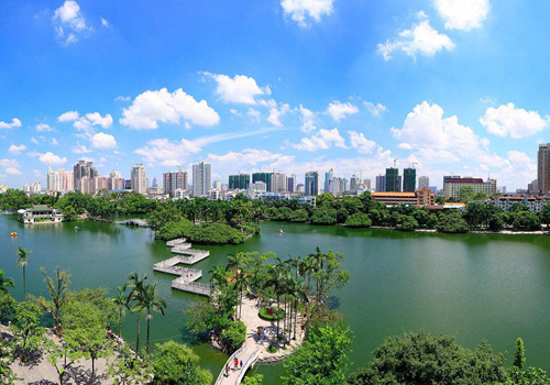 Renmin Park is the first comprehensive entertainment park in Nanning built after the liberation since 1949.